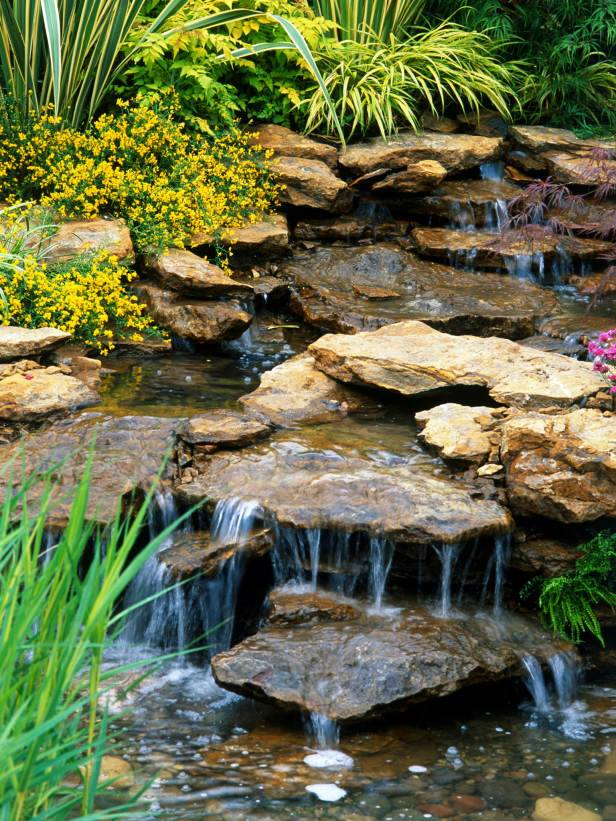 water feature hardscape in omaha